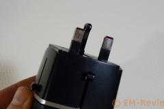 EM-Reviews_Adaptador_de_Viaje_Mundial_con_4_Puertos_USB0500