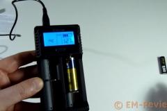 EM-Reviews_Cargador_de_bateria_USB_Pantalla_LCD_iEGrow6208